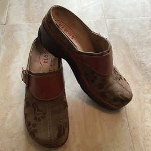 Klogs Austin Embroidered Leather Mules 7M